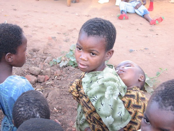 Orphans_in_Malawi_2